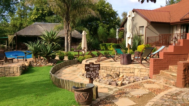 by The Orchards Executive Accommodation   LekkeSlaap