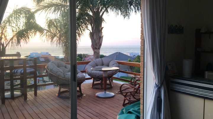 Wavecrest Akkommodasie by Beach Gypsy - The Deck | LekkeSlaap