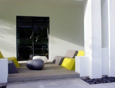 Bloomestate lounge terrace
