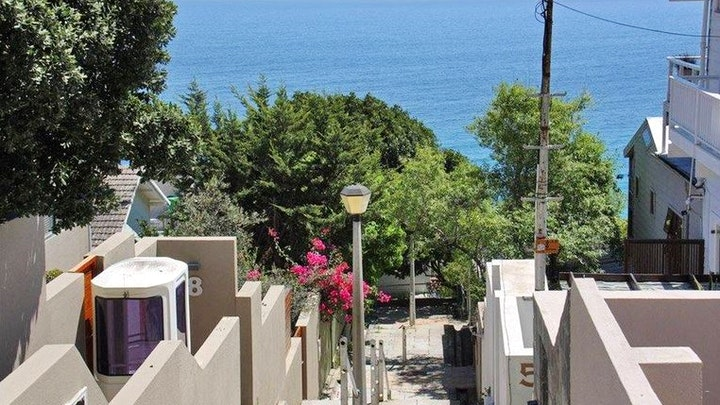 Clifton Accommodation at 7A Clifton Steps   TravelGround