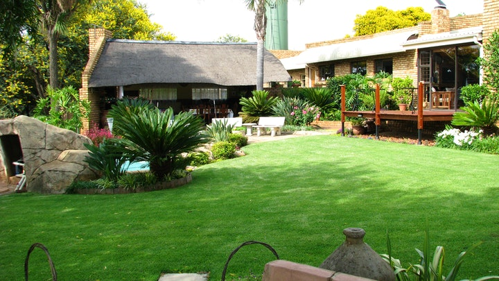 Walkerville Accommodation at O Live Life Guest House at La Rochelle Farm | TravelGround