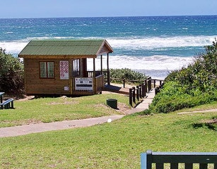Trafalgar Beach Life Saver's Hut