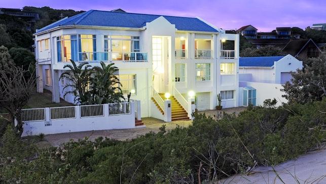 at A Villa de Mer Guest House | TravelGround
