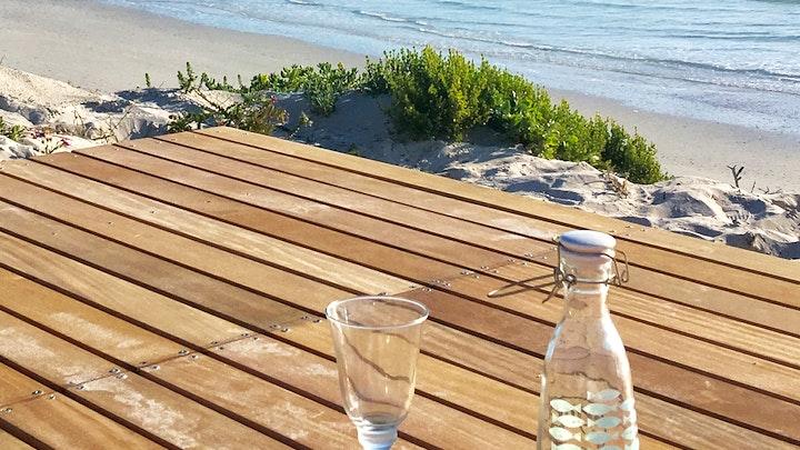 Yzerfontein Akkommodasie by Rooisee Historic Beach Cottage | LekkeSlaap