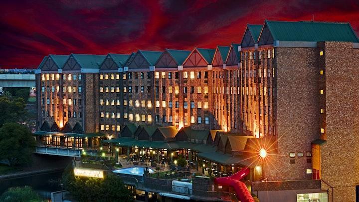 by Centurion Lake Hotel | LekkeSlaap