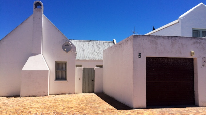 Paternoster Accommodation at In Betwix | TravelGround
