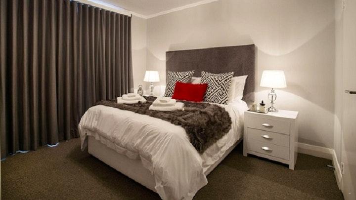 Century City Accommodation at Executive Apartment Silvertree | TravelGround