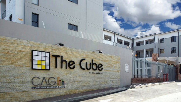 by C.A.G The Cube   LekkeSlaap