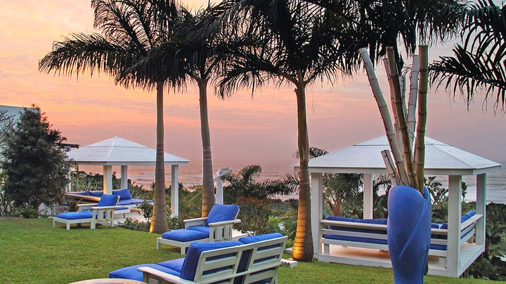at Days At Sea Beach Lodge | TravelGround
