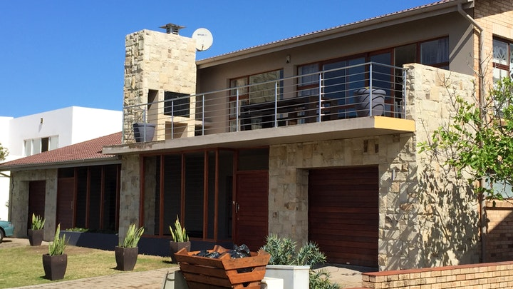 at 19 Waterkant Street Jeffreys Bay | TravelGround