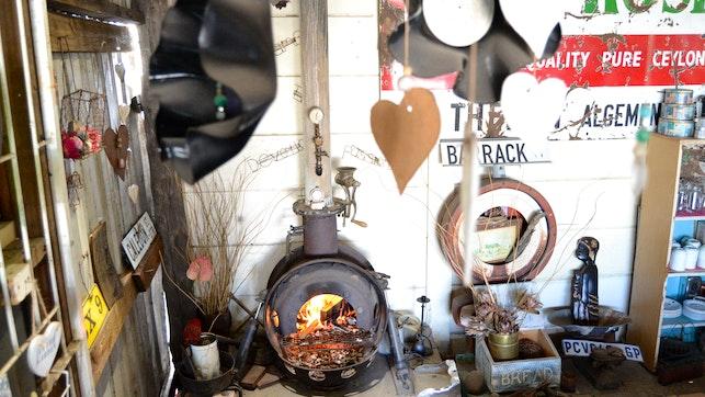by Suzie's Coffee Shop Accommodation | LekkeSlaap