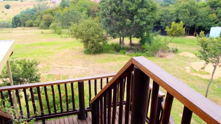 Sandton Akkommodasie by Emzini Apartment | LekkeSlaap
