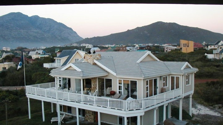 Pringle Bay Accommodation at House Doran | TravelGround