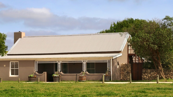 Stanford Accommodation at Stanford Country Cottages - Farrier House | TravelGround