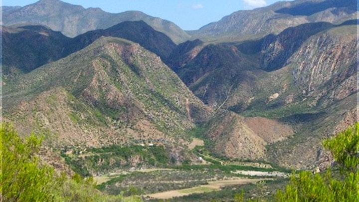 Kaapse Roete 62 Akkommodasie by Die Poort Private Nature Reserve   LekkeSlaap