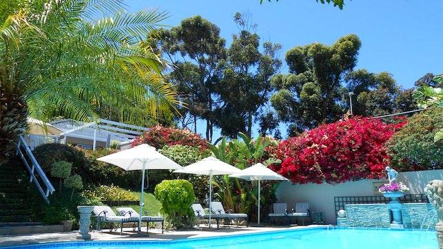at Roosboom Suites | TravelGround