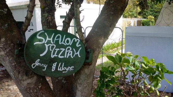 by Shalom Mizpah | LekkeSlaap