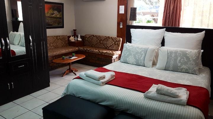 Flamwood Accommodation at Gemstone Guest House | TravelGround