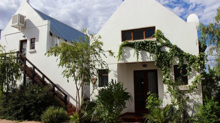 Kalahari Akkommodasie by Geluksdam Guest House | LekkeSlaap