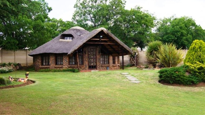 Vrede Accommodation at Draai-Ma-In | TravelGround