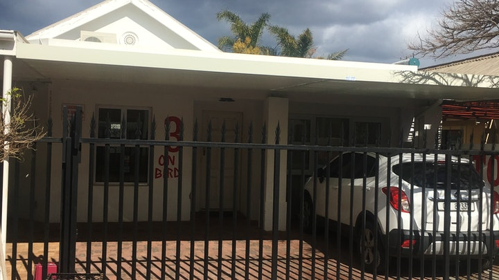Worcester Accommodation at Tolbos Backpackers | TravelGround