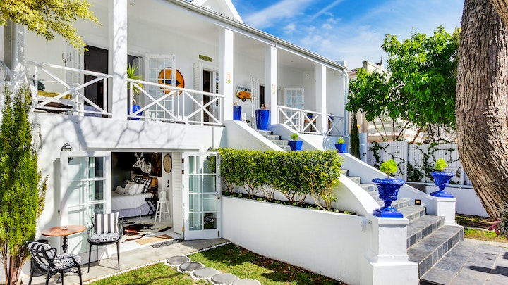 Green Point Accommodation at Authentic Green Point Villa | TravelGround