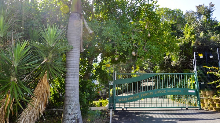Westbrook Akkommodasie by 15 Westbrook Forest Lodge | LekkeSlaap