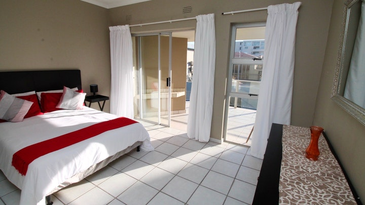 Lawrence Rocks Accommodation at Dolphin View 503 | TravelGround
