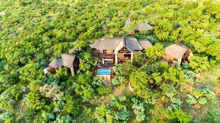 by Warthog Lodge – Mabalingwe Nature Reserve | LekkeSlaap
