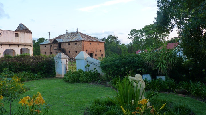 by Old Farm Manager's Cottage | LekkeSlaap