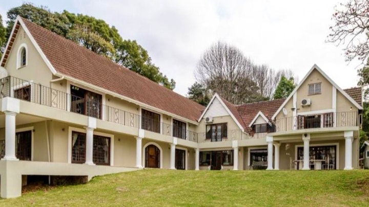 Gillitts Accommodation at Churchill House | TravelGround