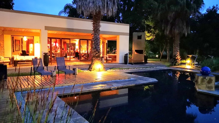 The Crags Accommodation at Lily Pond Country Lodge | TravelGround