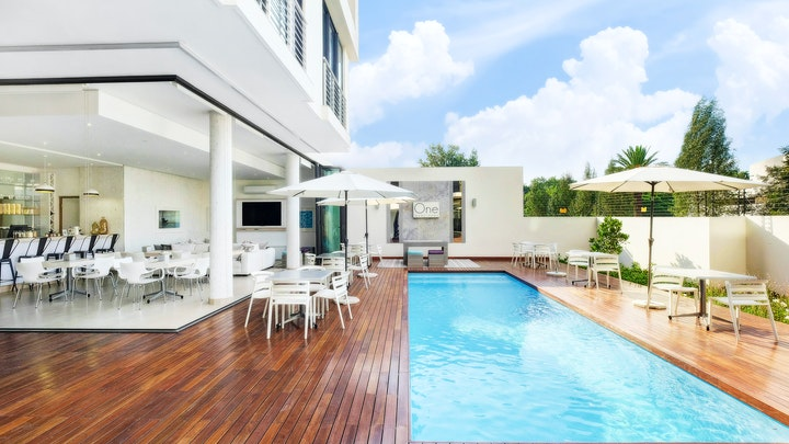 Hyde Park Accommodation at One Hyde Park | TravelGround