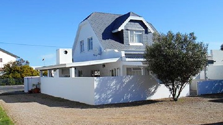 Hermanus Accommodation at Ernies Self-catering Holiday Cottage | TravelGround