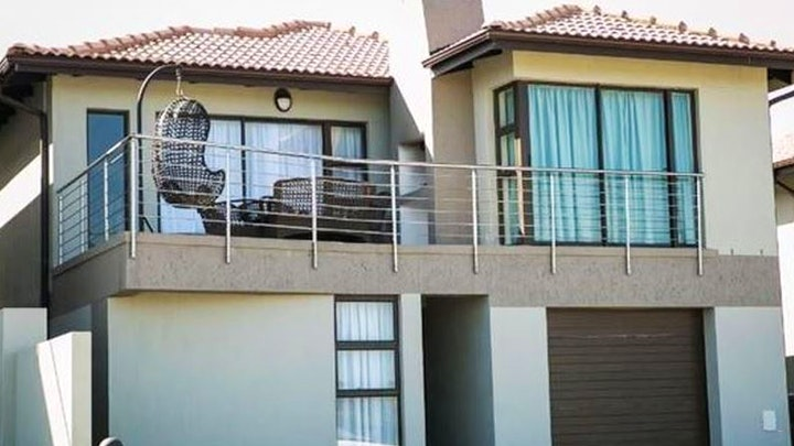 Winterstrand Accommodation at Coral Beach House | TravelGround