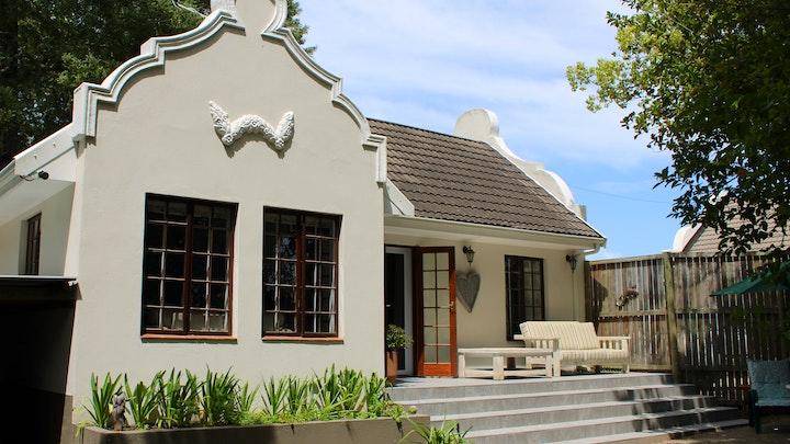 Fernridge Accommodation at Stacie's Cottage | TravelGround