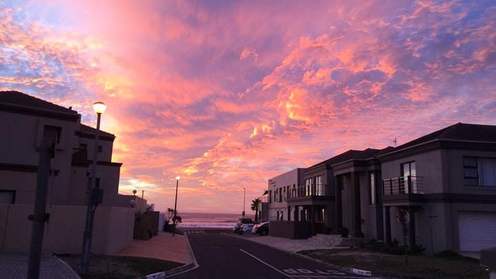 Melkbosstrand Accommodation at Huisie by die See | TravelGround