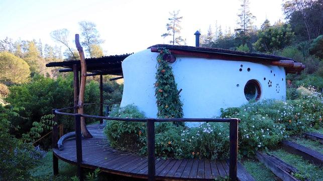 by Half Moon Hollow Eco Cottage | LekkeSlaap