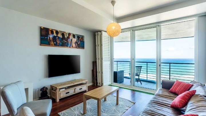 Table View Accommodation at Horizon Bay Apartment | TravelGround
