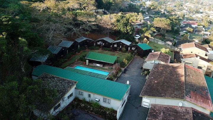 by Pleasant Waters Lodge & Conference Venue   LekkeSlaap