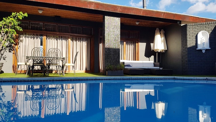Paarl Accommodation at A'Queenslin Guesthouse | TravelGround