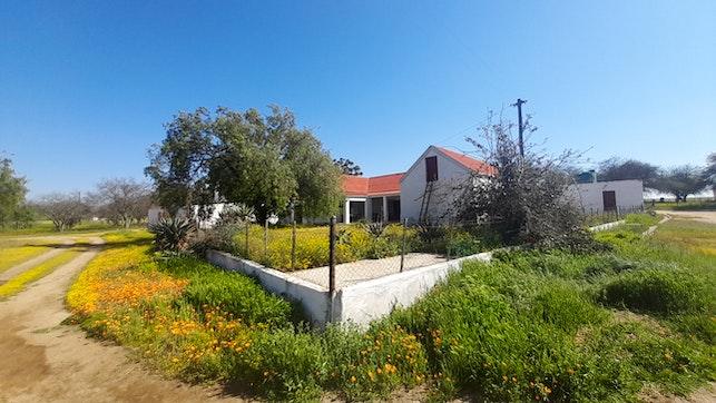 by Grootvalleij Farm Accommodation - Oom Gideon se Huis | LekkeSlaap