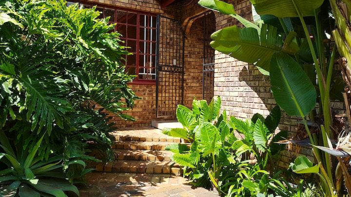 Pretoriuspark Accommodation at Kington Guest-suite | TravelGround