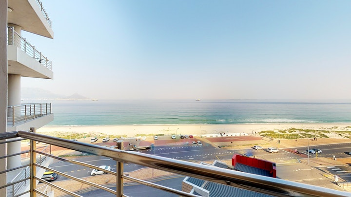Table View Accommodation at Portico Beachfront Apartment | TravelGround