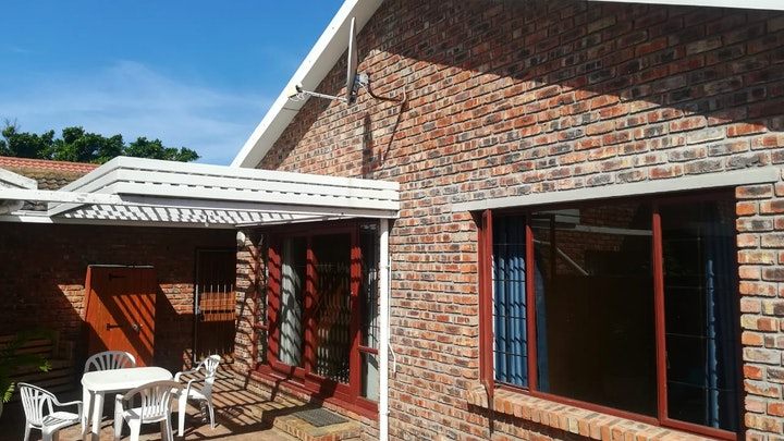 Bluewater Bay Accommodation at Coega Cabin | TravelGround