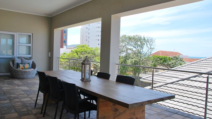 Somerstrand Akkommodasie by 11th Avenue Holiday Apartment | LekkeSlaap