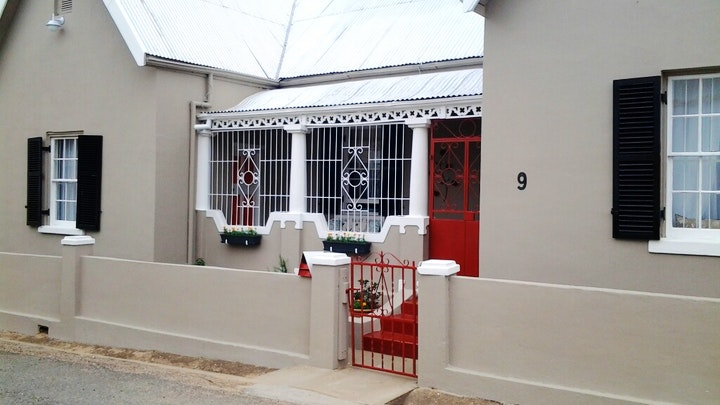 Calitzdorp Accommodation at Red Door Guest Room | TravelGround