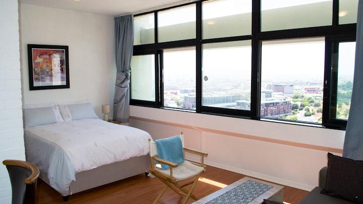 Oranjezicht Accommodation at Heavenly 17th-floor Studio with Views | TravelGround