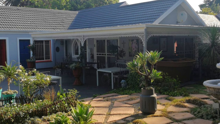Krugersdorp North Accommodation at De Villa Rosa Guest House | TravelGround