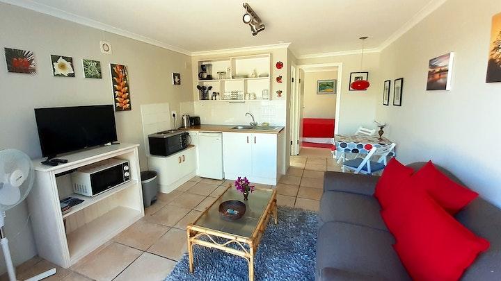 by Glencairn Holiday Apartment | LekkeSlaap